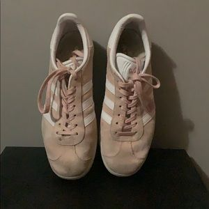 light pink adidas gazelle sneakers